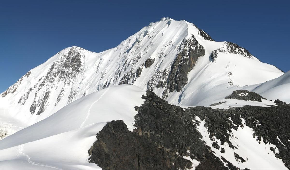 День 9 - Штурм перевала - спуск в долину Маашей /Треккинг 9 км, 8-10 часов/